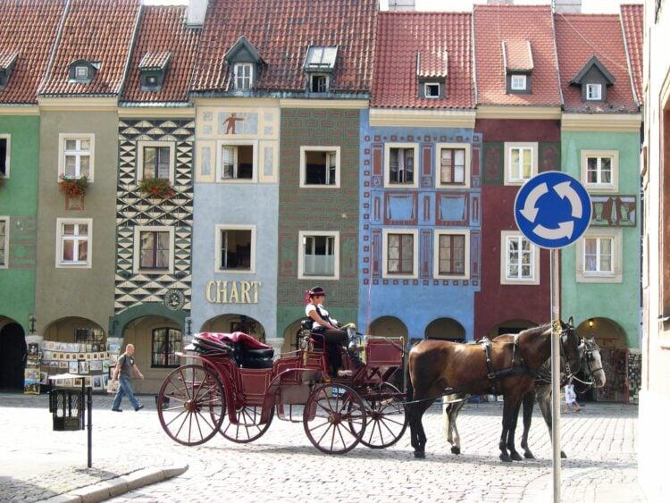 Horse and carriage in Poznan (photo: Jan Nijman, Pixabay)