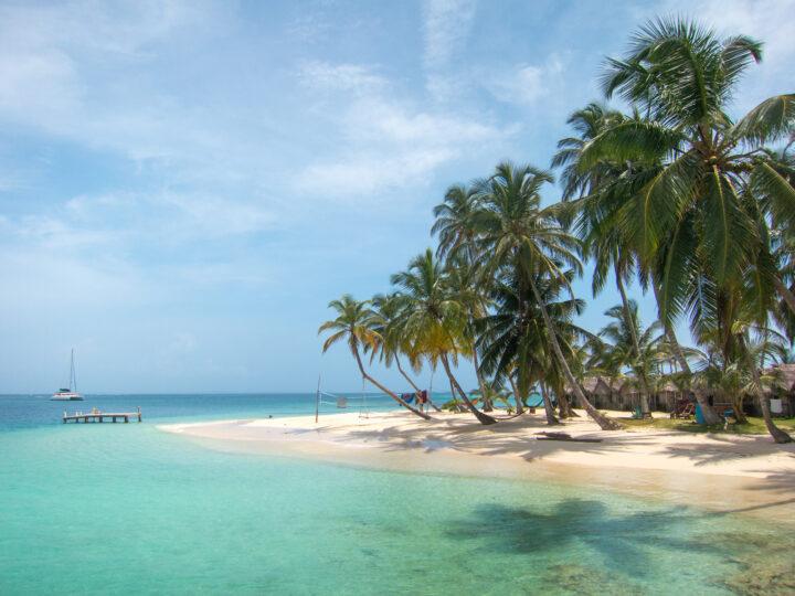Main beach on Kuanidup island