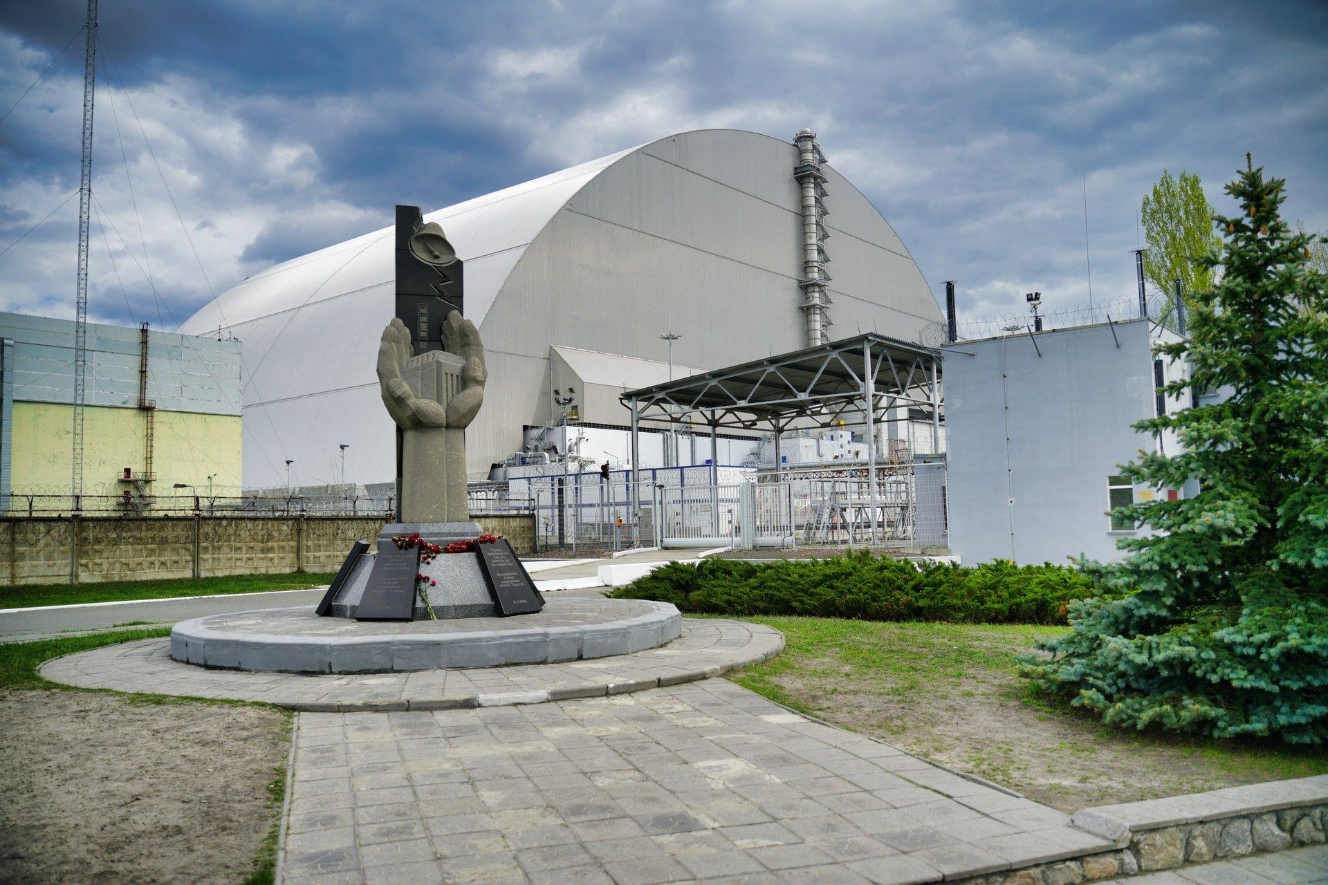 Sarcophagus over Unit 4 reactor (photo: Michael Lis, Unsplash)