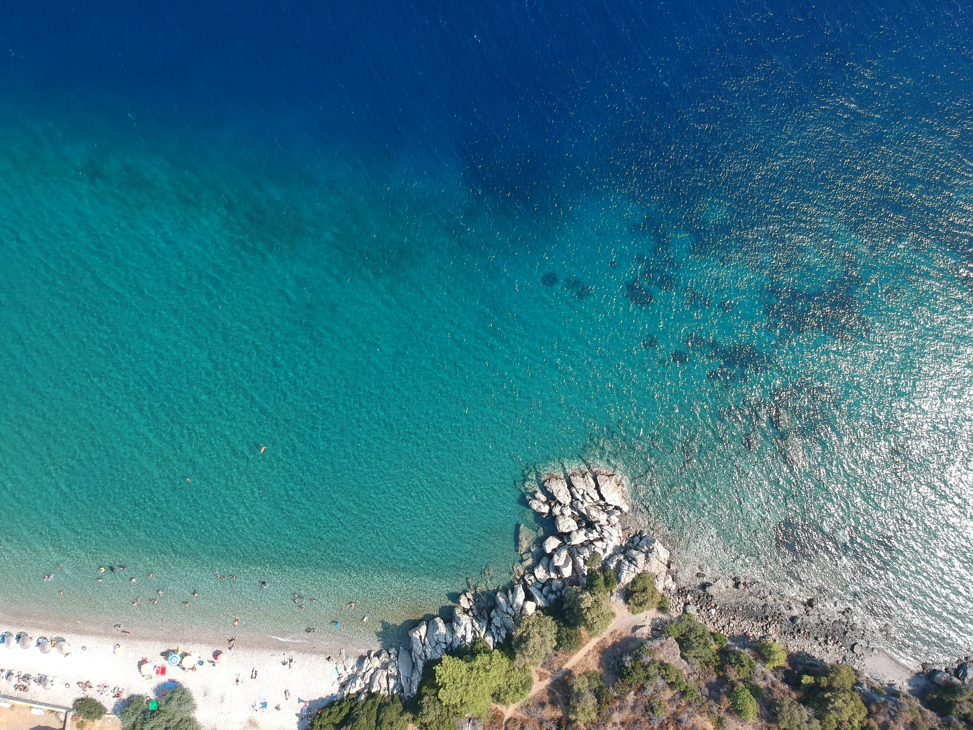 Bodrum beach (photo: Mehmet Belet, Unsplash)