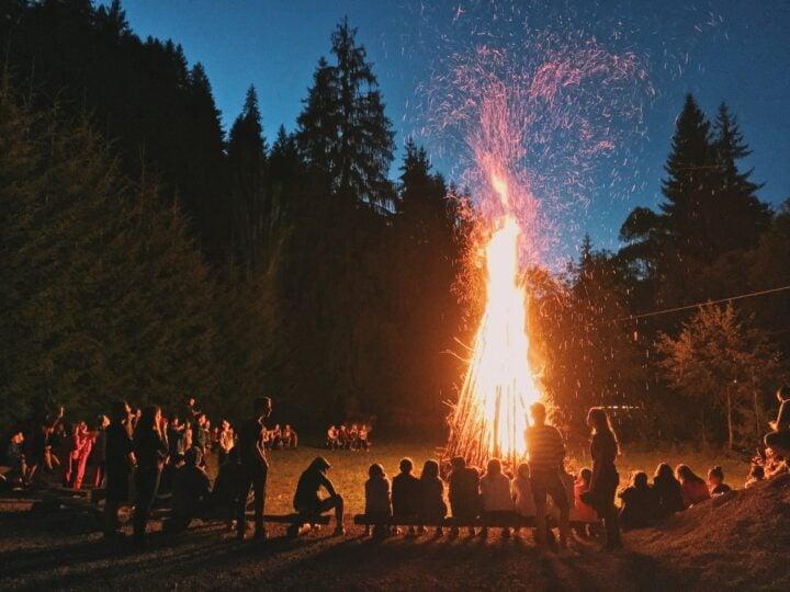 Bonfire (photo: Georgiana Avram)