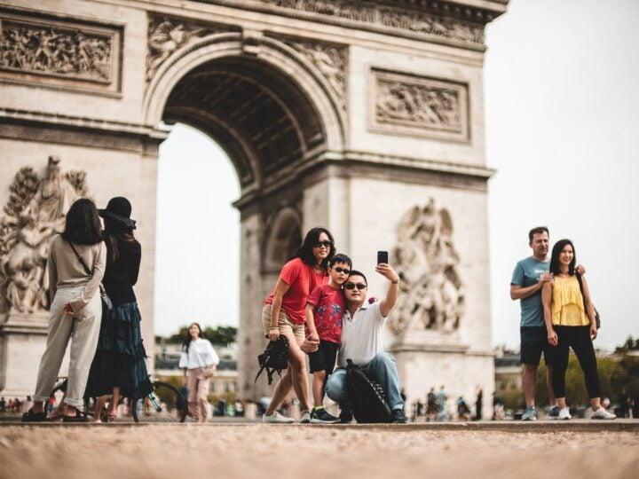 Arc de Triomphe in Paris (photo: Mika Baumeister)