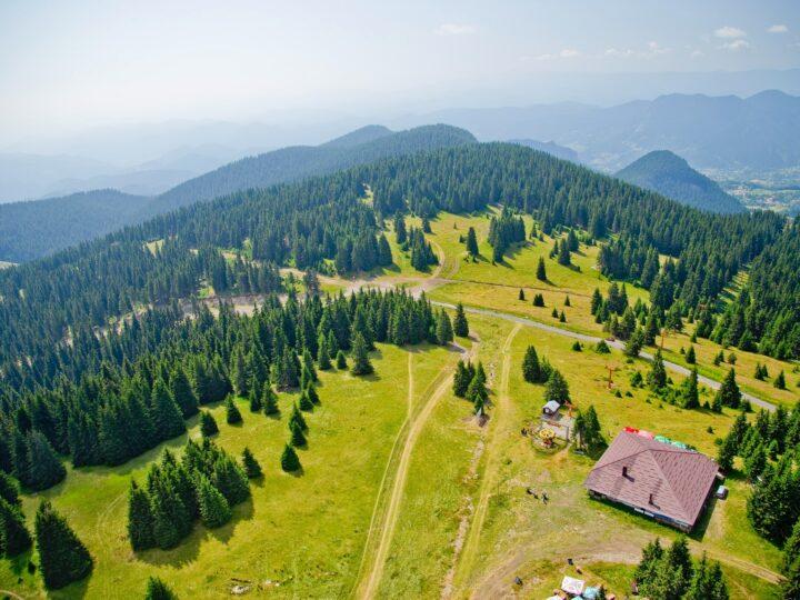 Pamporovo, Bulgaria (photo: Vlad-Tchompalov)