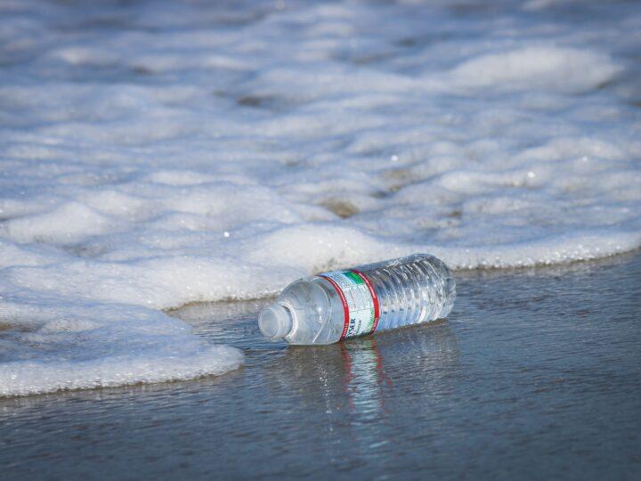 Plastic waste (photo: Brian Yurasits)