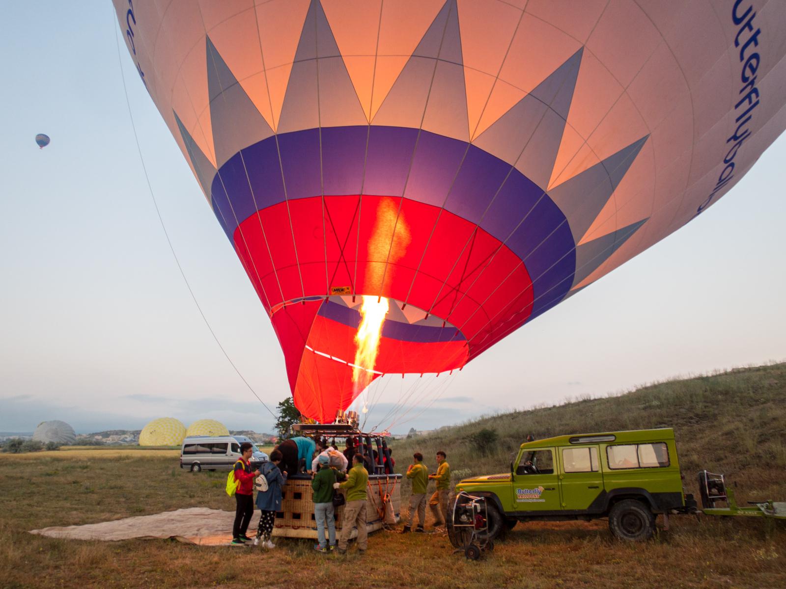 Boarding hot air balloon