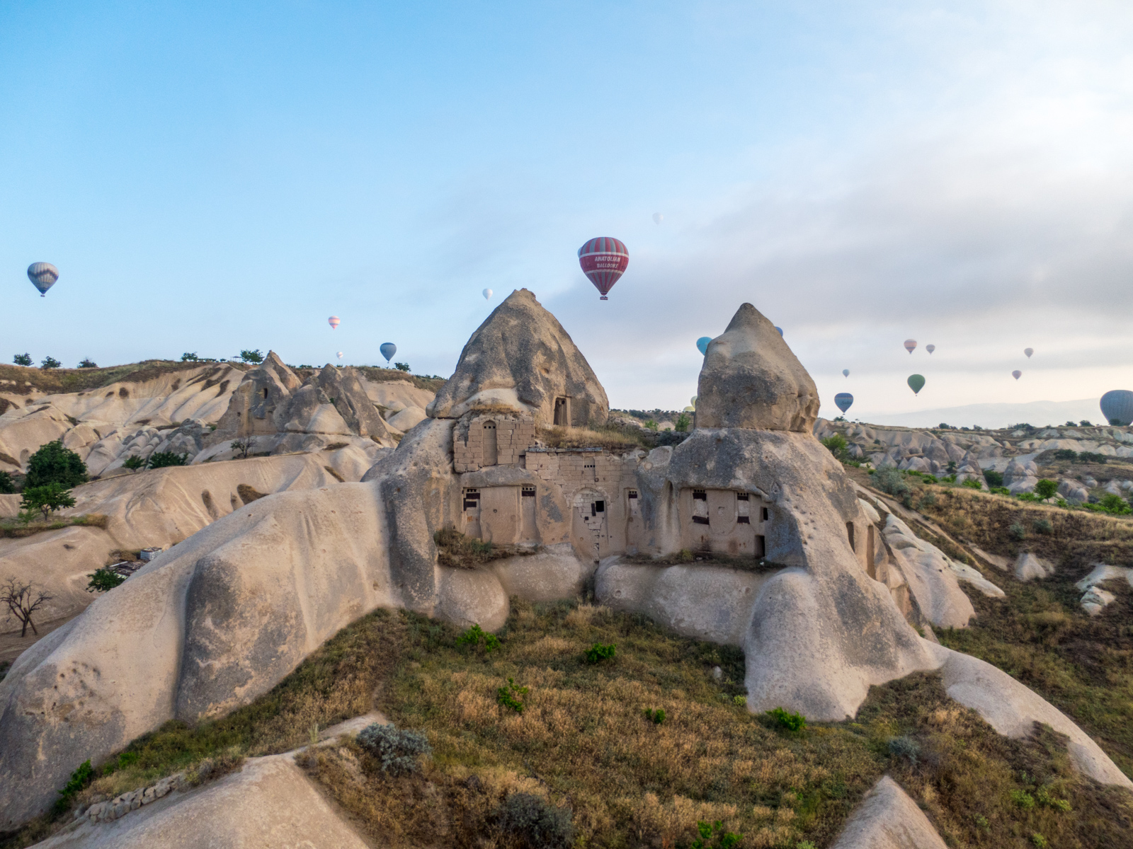Rock caves and balloons