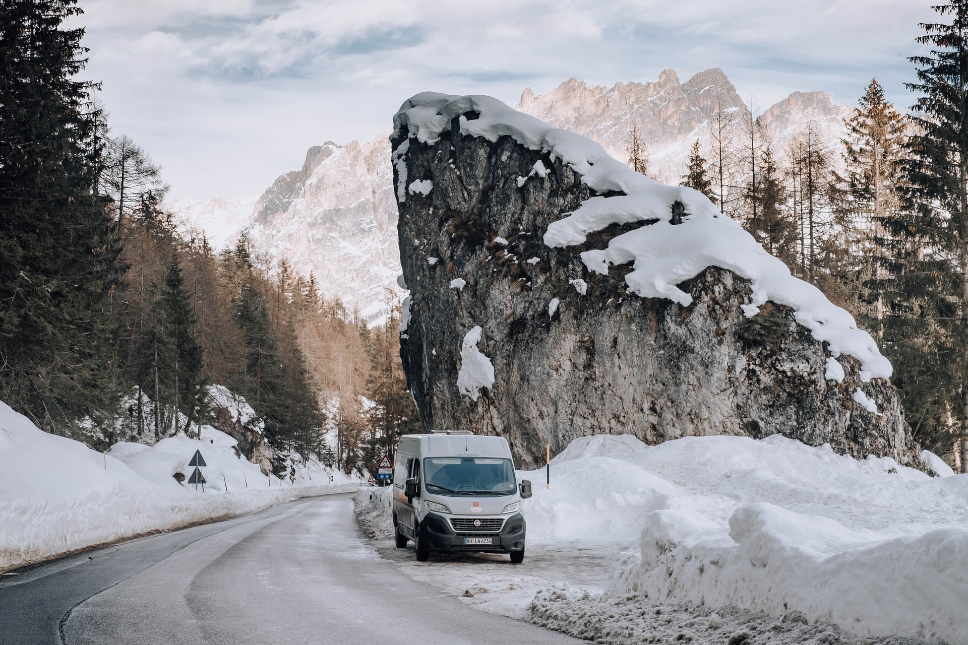 Pit-stop in the Dolomites (photo: Kenny Leys)