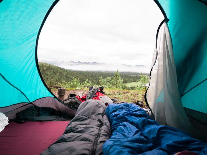 Sleeping bag in tent (photo: Unsplash)