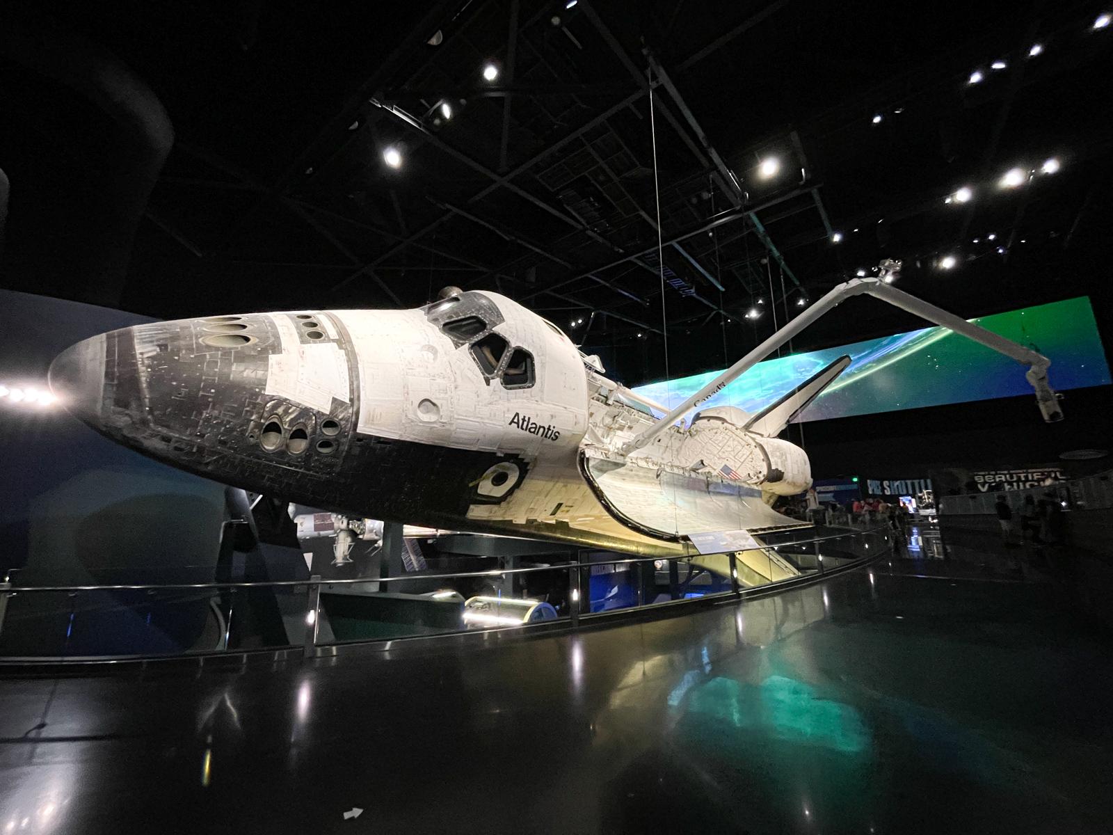 Atlantis shuttle with robotic arm