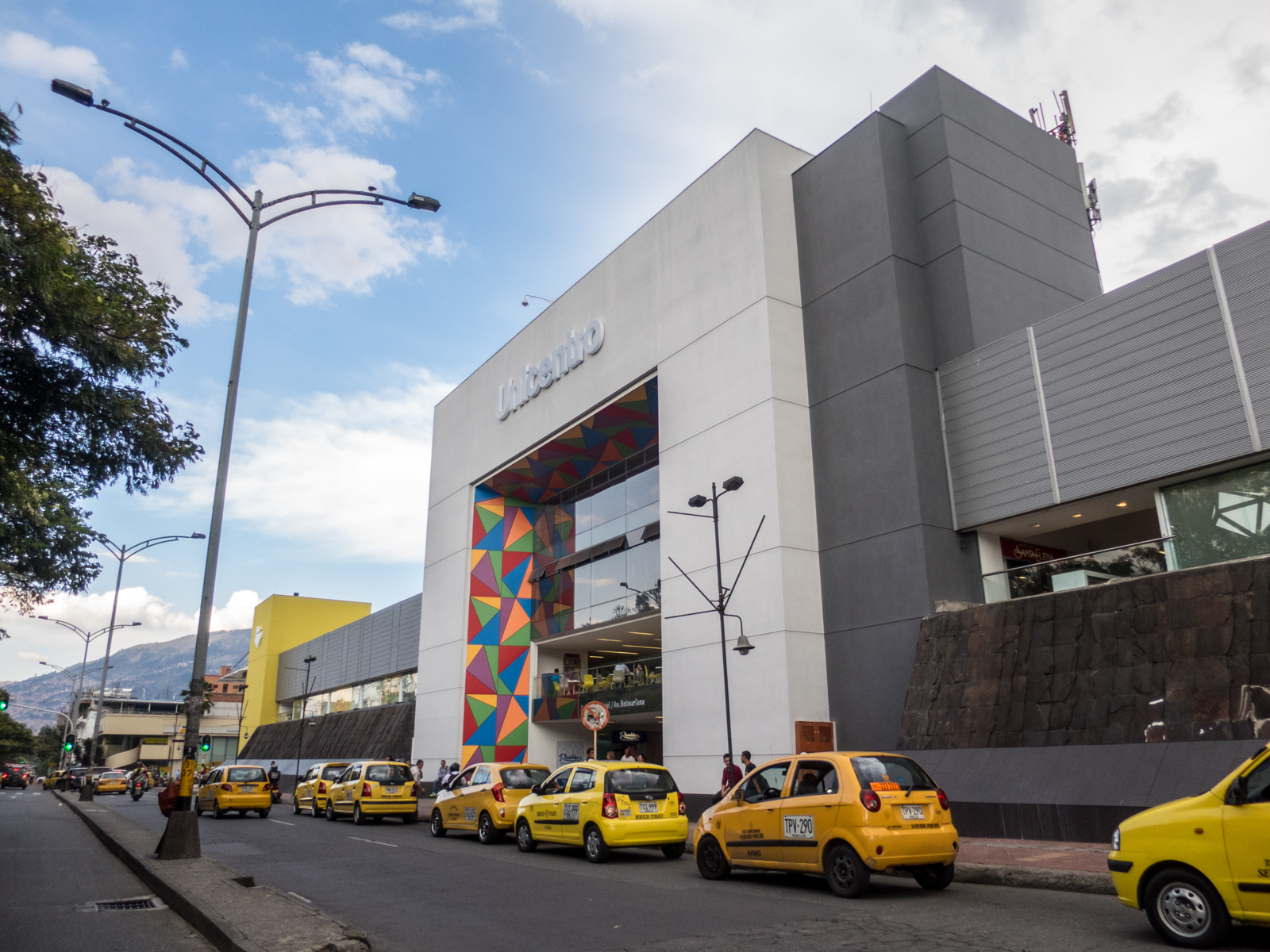 Taxis outside Unicentro mall