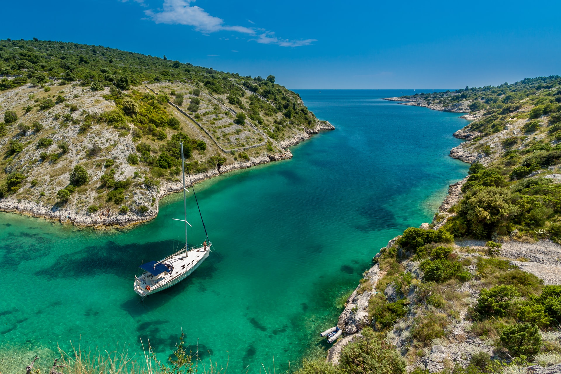 Zeilboot in Trogir, Kroatië (foto: Sergii Gulenok)